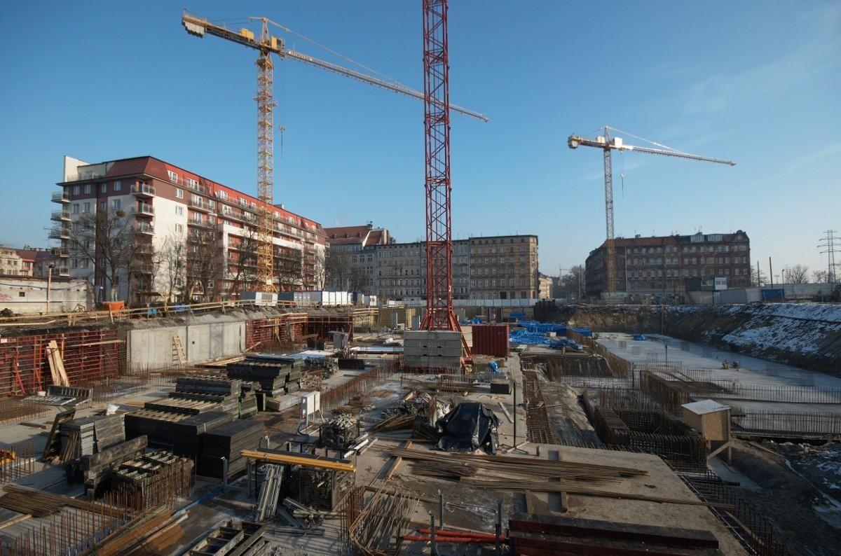 budowa nowego bloku w dzielnicy Krzyki Wrocław